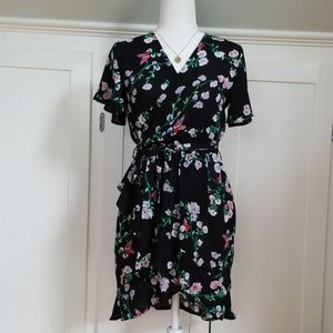 Beautiful v-neck summer dress.